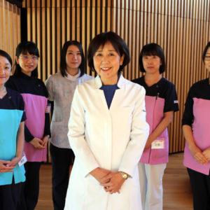 医師はじめ看護師、管理栄養士、 医療事務が一丸となって診療をサポート。